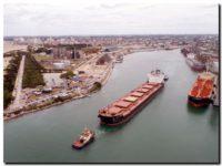 Actividad prácticamente normal en los puertos de Bahía, Rosales y Quequén