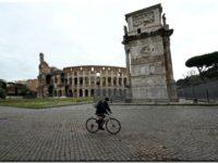 Con la reapertura, la edad media de los contagiados en Italia bajó de 61 a 43 años