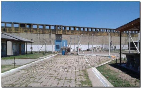 Estalló un motín en una cárcel de Florencio Varela y murió uno de los presos
