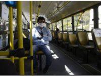 Los usuarios del transporte público deben subir con tapabocas