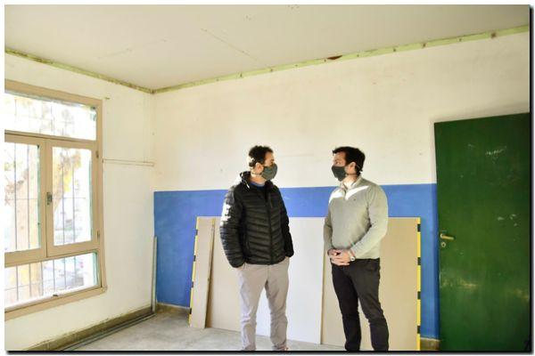 El intendente Rojas observó el avance de obra en la Escuela Nº 501
