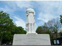 Decapitan una estatua de Cristóbal Colón en Boston y vandalizan otra en Miami