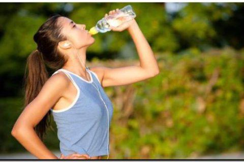 Agua mejor que bebidas isotónicas