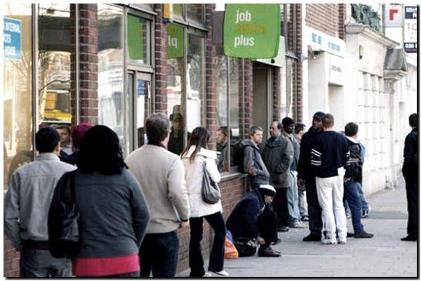 Aumentan los anuncios de despidos en empresas y fábricas en el Reino Unido