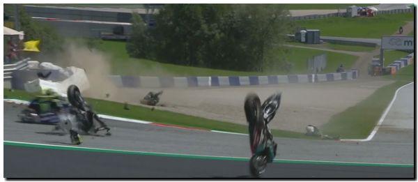 MOTO GP: Espectacular accidente en Austria
